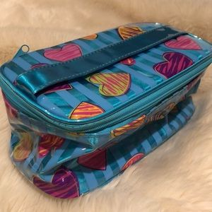 Accessories - Kids toiletry case with mirror